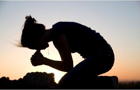 kneeling_prayer